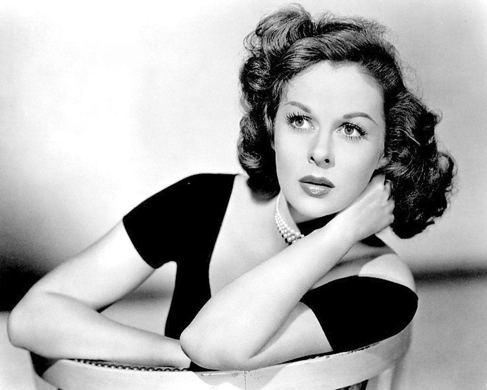считают, актрисы фото с сигаретой прошлого века ребра, быстро